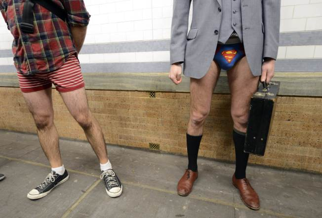 usa-no_pants_subway-nyc_tc021_33425505