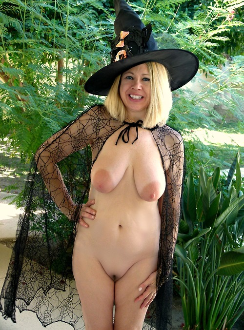 terracottainn-do-you-like-my-nudist-witch-halloween-costume