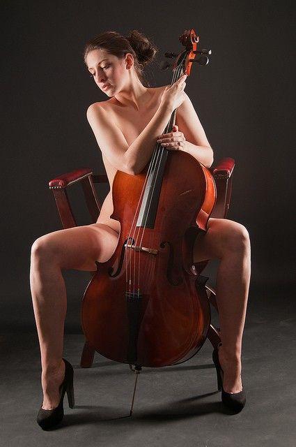 Nude cello
