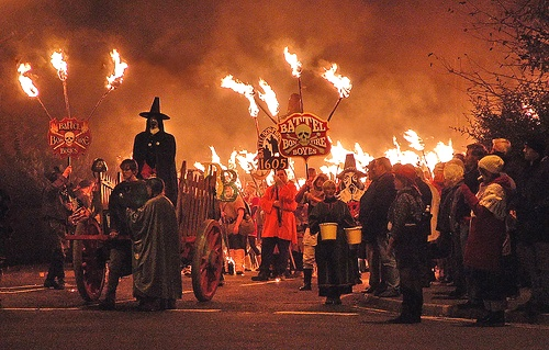 Battle-Bonfire-Night-Procession