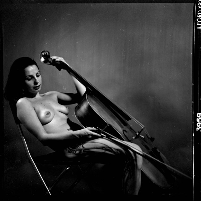 Naked cellist