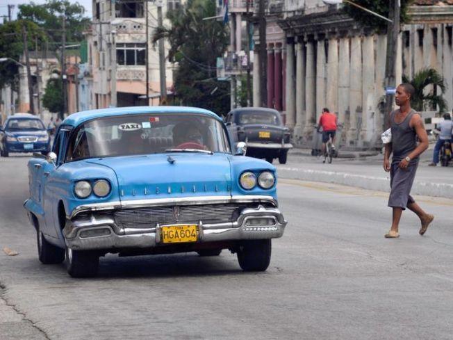 635544265737775385-etab-olds-taxi