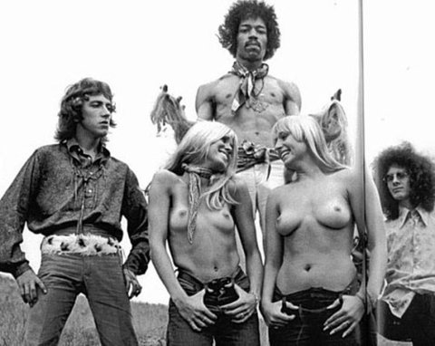 the_jimi_hendrix_experince_hawaii_photo_topless_girls