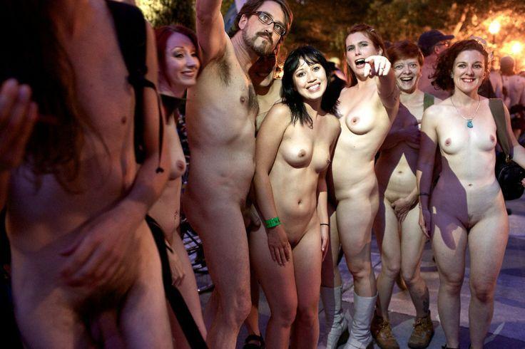 фестиваль голых теток видео голые русские