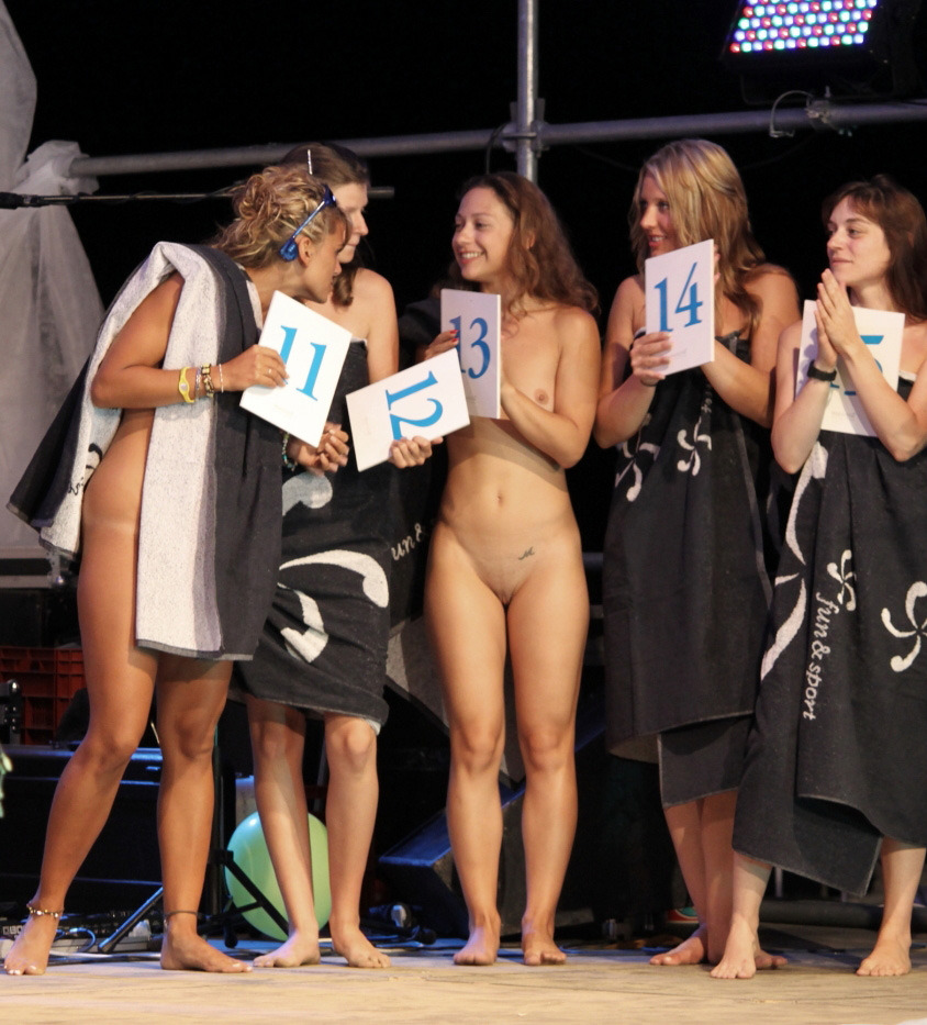naked beauty pageant girls