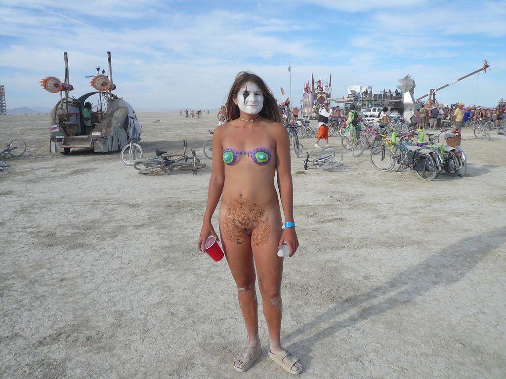 pong-sex-burning-man-naked
