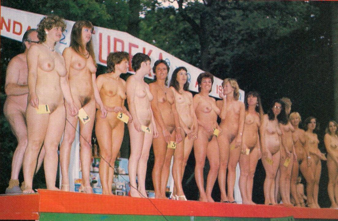 vintage-beach-breast-contest
